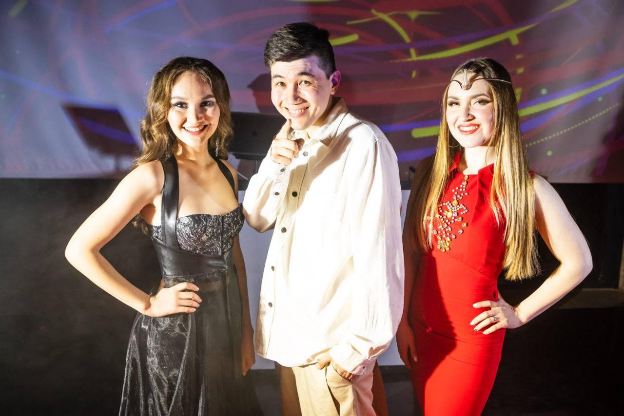 Молодые звёзды с новым проектом — в самый звездный день в году!
